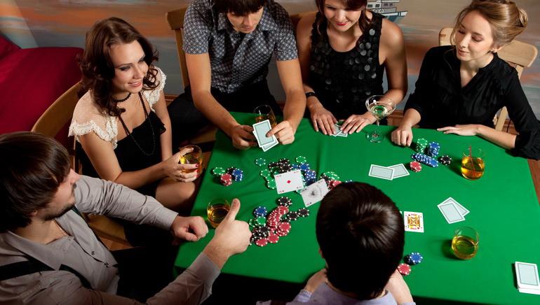 Poker بنقود حقيقية