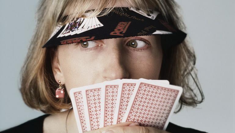 مقارنه غرف ال Poker