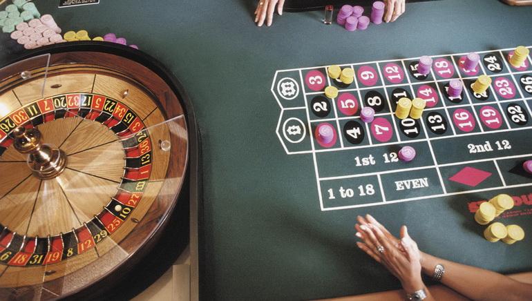 Roulette مباشر بنقود حقيقية